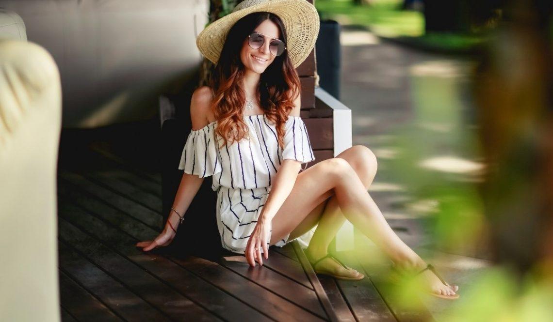 Umiejętnie dopasowana do figury letnia sukienka kluczem pięknego wyglądu i zadowolenia płci pięknej
