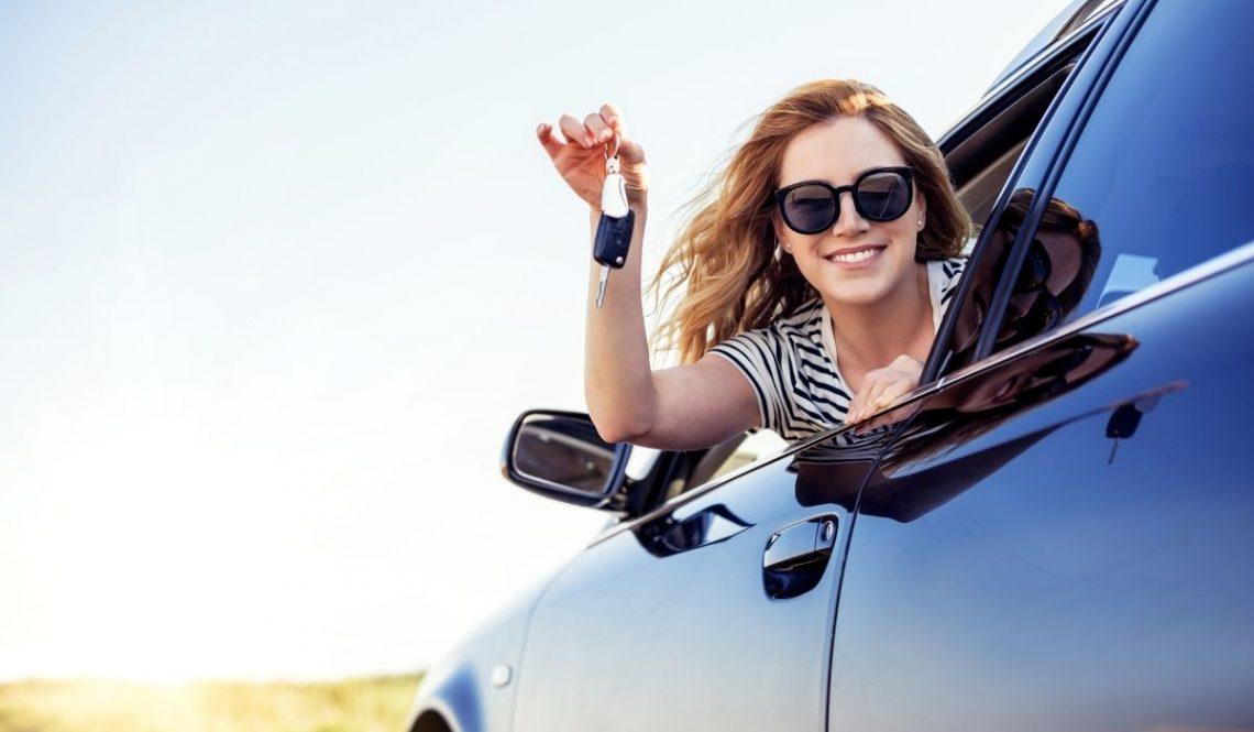 Jakie okulary słoneczne wybrać do jazdy samochodem? - istotne informacje